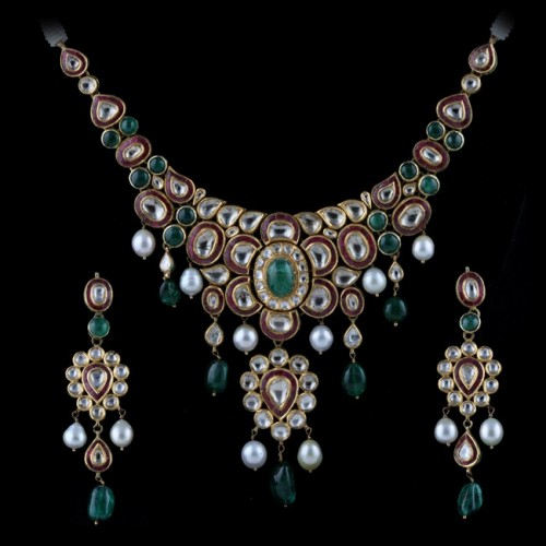 A Period Gemset Necklace