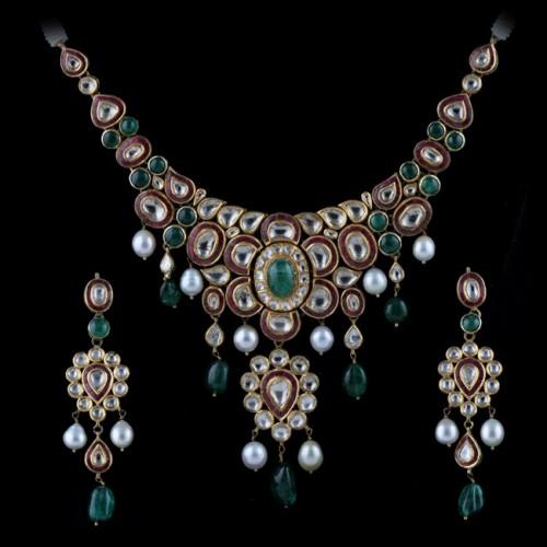 A Period Gemset Necklace